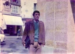 PHOTO DE PRESSE FILM LES ARNAUD 1967 AVEC ADAMO BOURVIL C. DELAROCHE FORMAT 18 X 13 CM - Beroemde Personen