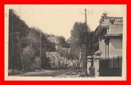 CPA (78) ROLLEBOISE.  L'Entrée Du Pays Et L'église...J759 - Autres Communes