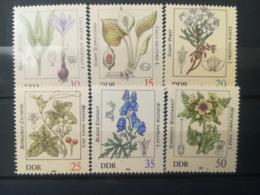 FRANCOBOLLI STAMPS GERMANIA DEUTSCHE DDR 1982 MNH** NUOVI SERIE COMPLETA PIANTE VELENOSE PLANTS GERMANY - Nuovi