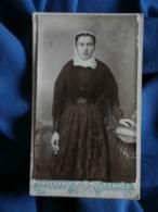 Photo CDV Ch. Gérard à Rennes - Jeune Femme à La Coiffe Régionale, Folklore, Costume Breton, Circa 1895-00 L462 - Antiche (ante 1900)