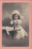 OLD PHOTO POSTCARD - CHILDREN -  GIRL -   IRONING - Portretten
