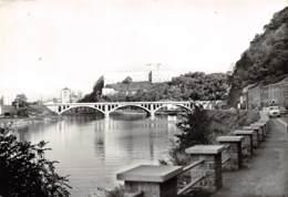 Huy - Le Pont Du Chemin De Fer Et Le Fort - Huy