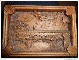 Souvenir D'ITALIE - FIRENZE Ponte Vecchio -matière ? Résine ?? 13 X 9 Cm / Utilisation Petit Tableau Ou Cendrier - Oggetti 'Ricordo Di'