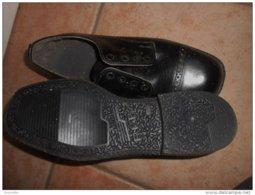 Vintage :chaussures Cuir ; Anciennes , Jamais Portées -  Pointure 42 /43 ( Longueur De La Semelle = 29cm) - Shoes