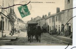 CPA. D39. Longchaumois . Grande Rue. Attelage . COTTET LIB - France