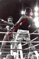 Muhammad Ali Versus George Foreman - Original Press Photo Format: 15x22cm - Habillement, Souvenirs & Autres