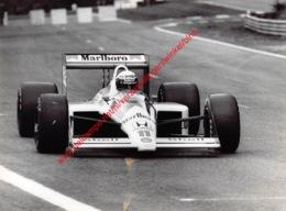 Alain Prost 1988 McLaren-Honda - Original Press Photo - Stamp By Photographer Corinne Feron - Format 24x17,5 - Automobile - F1