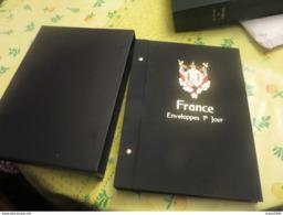 Album Davo 1er Jours France Et Cartes Avec étui Luxe Et Gaines Pochettes Bon Etat, - Albums & Reliures