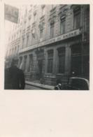 Snapshot Devanture Maison Du Prisonnier Et Du Déporté Du Rhône Voiture Vélo - Lieux