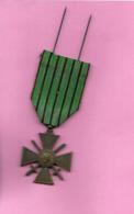 """Médaille """"1939 1940"""" RUBAN VERT CROIX DE GUERRE - Insignes & Rubans"""