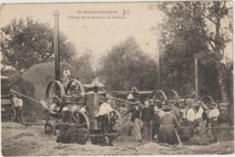 CPA  35 LE GRAND FOUGERAY BATTAGE DE LA MOISSON DU CHATEAU  BEAU PLAN - Frankreich