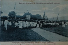 Ned. Indie - Indonesia // Galala Ambon // Volksfeest 1908 - Zang-Uitvoering Door De Schoolkinderen 1912 - Indonesië