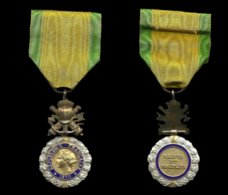 ANCIENNE MEDAILLE MILITAIRE . - France