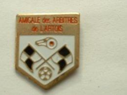 PIN'S  FOOTBALL - AMICALE DES ARBITRES DE L'ARTOIS - Football