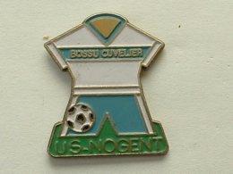 PIN'S  FOOTBALL - U.S NOGENT SUR OISE  - BOSSU CUVELIER - Football
