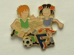 PIN'S  FOOTBALL - FFF - Football