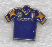 Juentus Torino Calcio Maglietta Danone T-Shirt Sony Ufficiale Giemme Torino Soccer Pins Spilla Italy Toro Granata - Calcio