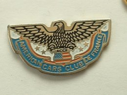 PIN'S AUTOMOBILE - AMERICAN CARS CLUB DE FRANCE - Pin's