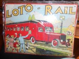 Grande Plaque En Tole LOTO RAIL- Décor Micheline- Train -SNCF  - éditions Atlas -  28,5x21cm - Plaques En Tôle (après 1960)