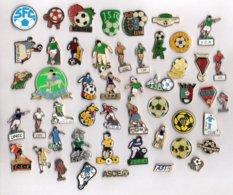 LOT DE 50 PIN'S FOOTBALL - CLUB A IDENTIFIER - Football