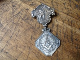 Franc Maconnerie  Medaille Cincinatti Grande Loge E S A M  1908 Et Chicago 1908 Franc Macon - Professionnels / De Société