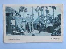 C. P. A. : BURKINA FASSO , Haute Volta : Village Indigène, Animé - Burkina Faso