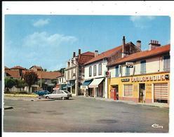 Village De BOUCAU - Place Semard - Pompe à Essence Magasin Radiomatic Vers 1980 - Combier E64.140.103 - VENTE DIRECTE X - Boucau