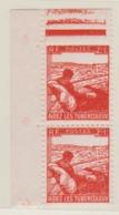 FRANCE 1945: Paire Du Y&T 736, Neufs**, BDF, Variété 'le Timbre Du Bas Est Plus Petit' - Abarten: 1945-49 Briefe & Dokumente