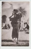 LARGEAU - TCHAD - REGION DU BORKOU - FEMME AU MARCHE - Ciad