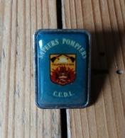 Pin's / Pins / Thème : Pompiers / SAPEURS POMPIERS VILLENEUVE D'ASCQ /  C.U.D.L. - Pompiers