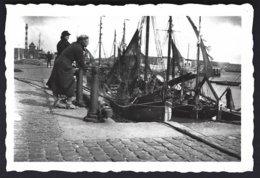 1940-1945!, Belgique, Port D'Ostende? +bateaux De Peche ,photo Véritable - Bateaux