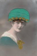 Femme -Cheveux & Chapeau En Satin.  Scan - Cartoline