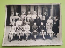 Foto/Photo : Oude Klasfoto Meisjes | Vieille Photo De Classe Filles - 23.5 X 17.5cm ! - Personnes Anonymes