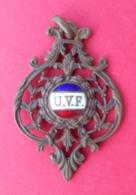 Médaille En Métal Jaune émaillé - Union Vélocipédique De France - U.V.F. - Professionnels / De Société