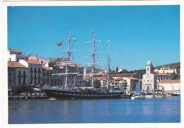 66 - PORT VENDRES -le Port Et Le Belem A Quai (1) - Port Vendres