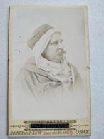 ALGÉRIE - Photographie Ancienne CDV - Homme En Costume Traditionnel - Photo Paul Craveya , ORAN  BE - Africa