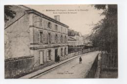 - CPA RIBÉRAC (24) - Avenue De La Charouffié - Ecole Supérieure De Garçons - Edition Vve Berger N° 5 - - Riberac