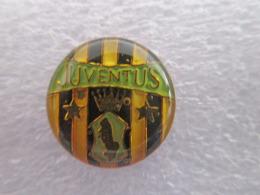 Coppa Distintivo Soccer Pins Juve BiancoNero Calcio Football Pin - Juventus - Calcio