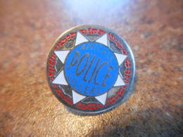 A039 -- Pin's Amicale Police Lillers - Police