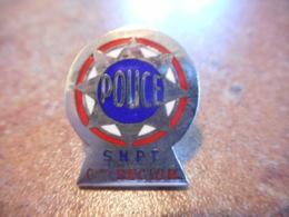 A039 -- Pin's Police SNPT 6eme Region -- Exclusif Sur Delcampe - Police