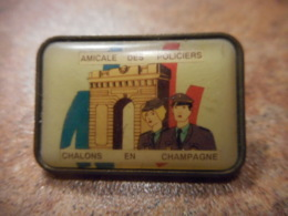 A039 -- Pin's Amicale Des Policiers Chalons En Champagne - Police
