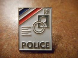 A039 -- Pin's Police RF - Police