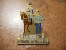 A039 -- Pin's Brigade De Vezelise 1717 1991 - Police