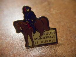 A039 -- Pin's Police Municipale Et Rurale - Police