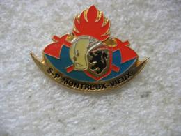 Pin's Des Sapeurs Pompiers De La Commune De MONTREUX-VIEUX (Dépt 68) - Pompiers
