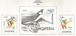 Albanien  1995  Mi.Nr. Block 104 + 2556 / 2557 , EUROPA CEPT - Frieden Und Freiheit - Gestempelt / Fine Used / (o) - Europa-CEPT