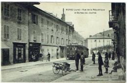34. Morez (Jura). Rue De La République Et Bureau Du Journal. Tram. - Francia