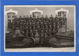 MILITARIA - Carte Photo De Militaires Posant Devant Leurs Chars - Guerre 1914-18