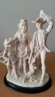 Sculptuur Van Een Koppeltje Met Kind - Autres