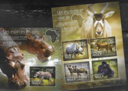 NIGER, 2016, MNH, ENDANGERED FAUNA, GORILLAS, ELEPHANTS, WILD DOGS, RHINOS,  SHEETLET +S/SHEET - Gorillas